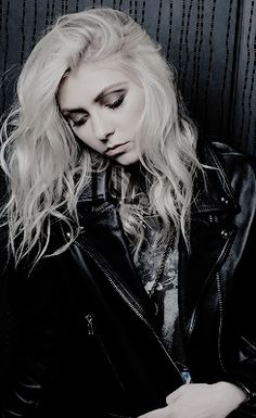dailytmomsen:  Taylor Momsen photographed in Paris (October...