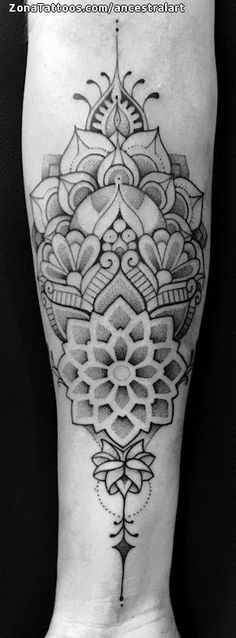Tatuaje hecho por Manus, de Barcelona (España). Si quieres ponerte en contacto con él para un tatuaje o ver más trabajos suyos visita su perfil: https://www.zonatattoos.com/ancestralart Si quieres ver más tatuajes de mándalas visita este otro enlace: https://www.zonatattoos.com/tatuaje.php?tatuaje=109808