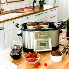 Forgot to read for Make these Decadent Slow Cooker Brownies and we promise they'll forgive you! Crock Pot Desserts, Slow Cooker Desserts, Crock Pot Cooking, Crockpot Meals, Slow Cooker Recipes, Forgive, Brownies, Bakery, Sweets