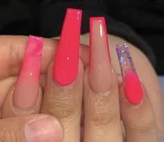 Image about fashion in 💅🏽Nails💅🏽 by Masha on We Heart It Bling Acrylic Nails, Aycrlic Nails, Best Acrylic Nails, Summer Acrylic Nails, Swag Nails, Pink Bling Nails, Baby Pink Nails Acrylic, Red Ombre Nails, Hot Pink Nails