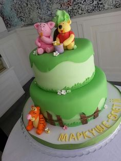 Winnie the pooh cake by delidelicius