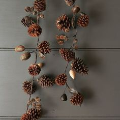 pincone garland - I already have one that I made myself, this is to inspire me to make it better
