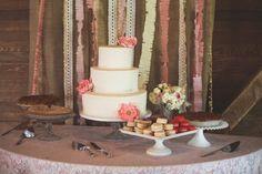 cake table backdrop