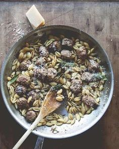 The only thing cozier than a big bowl of pasta is a big bowl of Fall pasta. Snuggle Up to the 26 Coziest Fall Pasta Recipes- The Kitchy Kitchen