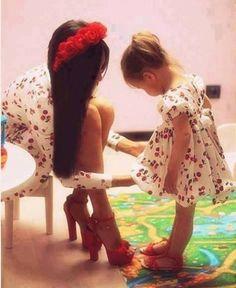 Like Mom, Like Daughter!! Soo Cute!!