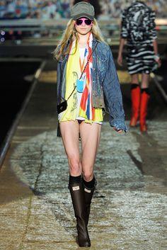 Dsquared2 Spring 2012 Ready-to-Wear Fashion Show - Karo Mrozkova
