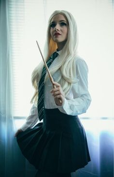 Female Draco shot by coslife_ : cosplay Female Harry Potter, Harry Potter Cosplay, Harry Potter Outfits, Harry Potter Universal, Draco Malfoy Costume, Slytherin Aesthetic, Slytherin Pride, Slytherin Traits, Slytherin Quotes