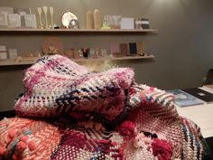 New shop in the Oldtown of Bern with accessories from Marokko, papeterie, color consultation,write workshop
