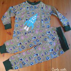 Schlafanzug mit Rakete Applikation kostenlose Applikationsvorlage von fumfum Jungs sleeping suit with free applique pattern rocket boys