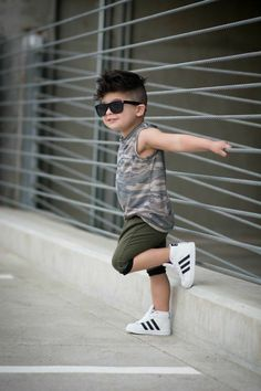Cool kids haircuts the best hairstyles for kids 2019 43 Toddler Boy Fashion, Little Boy Fashion, Toddler Boy Outfits, Baby Boy Swag, Baby Boy Dress, Baby Girls, Outfits Niños, Kids Outfits, Summer Outfits