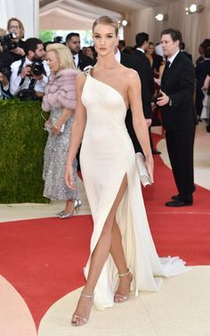 Rosie Huntington-Whiteley laughed in the face of the 'Manus x Machina' theme, and opted for a Grecian gown with simple metallic accents