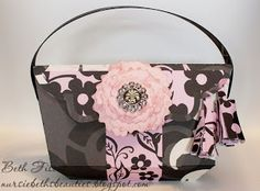 69ba7e5e88c0 LUXURY HANDBAGS SVG KIT has great projects including this gorgeous handbag  Beth made! The beautiful