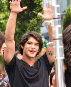 """Tyler Posey Photos - Thursday June 2 Perry from """"Teen Wolf"""" joins his fellow cast members in greeting fans as they make an appearance on """"Extra"""" at the Grove in Los Angeles. - 'Teen Wolf' Stars at 'Extra' Tyler Posey Teen Wolf, Wolf Tyler, Teen Wolf Scott, Teen Wolf Mtv, Teen Wolf Funny, Teen Wolf Boys, Teen Guy, Scott Mccall, Dylan O'brien"""