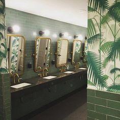 Dreamy bathroom moment at @wework captured by @studioenvie in #dswallpaper