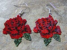 Rose Earrings Hand made Seed Beaded by wolflady on Etsy Seed Bead Jewelry, Seed Bead Earrings, Rose Earrings, Seed Beads, Beaded Jewelry Patterns, Beading Patterns, Do It Yourself Jewelry, Native Beadwork, Beaded Cross