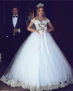 . . . . #casamentodossonhos #love #instagood #casamento #noiva #noivas #makeup  #vestidodenoiva #weddingdress #repost #wedding #ido #inspiracao #glamour #bride #vestidodenoiva #penteado #decor #decoracao  #flores #2018 #unhas #salto #sonho #sp #moda #meuamor #boanoite #felicidade #noivos #amor        Wedding Wedding Day Wedding Dress Weddings Planner Your Big Day