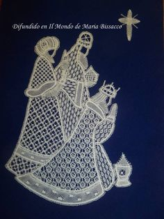 Lacy three Kings craft: Honiton by Pat Perryman. design gives lots of room for those fancy fillings that Honiton loves. Although some of these are unusual. Bobbin Lace Patterns, Crochet Patterns, King Craft, Romanian Lace, Bobbin Lacemaking, String Art Patterns, Hairpin Lace, Point Lace, Linens And Lace