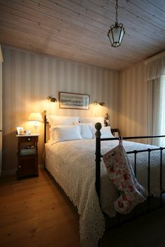 This will be a guest room at our house someday...ahhh...