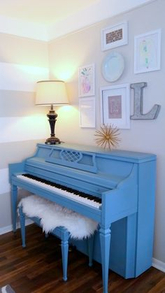 Not the blue piano but the art hanging iver the piano ; Ikea Furniture, Furniture Makeover, Painted Furniture, Furniture Outlet, Plywood Furniture, Discount Furniture, Modern Furniture, Furniture Design, Pianos Peints
