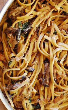 Creamy mushroom pasta with caramelized onions and spinach | JuliasAlbum.com | vegetarian pasta recipes for dinner