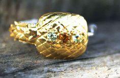 Bague Ananas  #ananas #pineapple #preciousstone #finejewellery #petitejoaillerie #jewellery #sathyne #bijoux