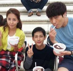 ZE:A's Siwan looks like a kid next to BoA and Choi Daniel on the set of 'Hope for Dating' Im Siwan, Choi Daniel, Korean Actors, We Heart It, Fangirl, Bae, Dating, Guys, Patbingsu