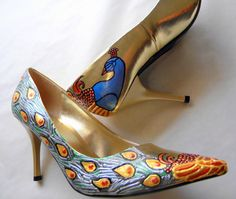 Peacock, the most spread Art Nouveau pattern of its Era, source of inspiration for glorious shoes painting.