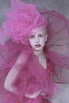 Fashion & Beauty Photography by Txema Yeste Beauty Photography, Portrait Photography, Fashion Photography, Pink Fashion, Fashion Beauty, Fashion Fashion, Pretty In Pink, Foto Fantasy, Mode Rose