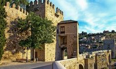 Saint Martin bridge … the western starting point of the Senda Ecológica path, Toledo