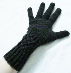 Knotty Gloves by Julia Mueller Please note:EU law concerning VAT tax coming into effect in 2015 designer is closing online shop so patterns are free, no email support though.