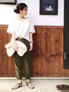 Plageのパンツ「ベイカーパンツ◆」を使ったshihoのコーディネートです。WEARはモデル・俳優・ショップスタッフなどの着こなしをチェックできるファッションコーディネートサイトです。