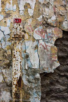Urban Decay by viwehei, via Flickr