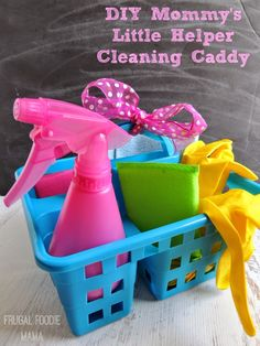 """DIY Mommy's Little Helper Cleaning Caddy- Let the little ones """"help"""" while you clean up!"""