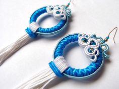 Pendientes soutache, pendientes aro, pendientes flamenca, pendientes flamenco, pendientes elegantes, pendientes azul blanco, pendiente fleco