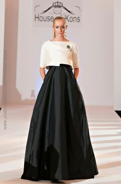 MARMAR HALIM SS15 Royal Dresses, Mob Dresses, Hijab Evening Dress, Evening Dresses, Dresses For Pregnant Women, Vetement Fashion, Beautiful Gowns, Elegant Dresses, Bridal Gowns