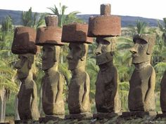 Tourist Places in South America Archives - Places to see before you die Easter Island Moai, Easter Island Statues, Tourist Places, Places To Travel, Places To See, Tourist Sites, Atlantis, Stone Statues, Ancient Architecture