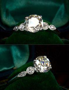Idée et inspiration Bague Diamant :   Image   Description   Gorgeous! 1930s Art Deco 1.39ct Old European Cut Diamond (J/VS1) RingTransitional and Single Cut Diamond Sides (0.16ctw), Platinum, $11500