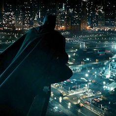 Ultima proiezione per Justice League! Batman Detective Comics, Dc Comics Heroes, Wayne Enterprises, The Dark Knight Trilogy, Batman Batmobile, Batman Beyond, Batman Vs Superman, Christian Bale, American Comics