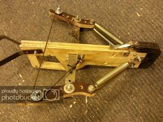 Flipper style crossbow - Slingshot Crossbows New inspiration, easier to check the strenght before construction. Homemade Crossbow, Diy Crossbow, Homemade Weapons, Apocalypse Survival, Survival Mode, Survival Skills, Sling Bow, Archery Bows, Traditional Archery