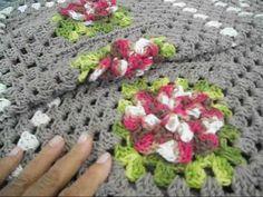 passadeira com flores jogo de cozinha 3 parte /final Annie's Crochet, Crochet Videos, Crochet Home, Crochet For Beginners, Crochet Designs, Elsa, Blanket, Floral, Pattern