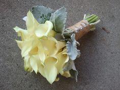 Winter Wedding Bouquets | Peterson bridal bqt 1024x768 Emilys Winter Wedding at Fox Hill Inn in ...