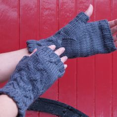 Queen of Shadows gloves by bluegarter.knits, via Flickr