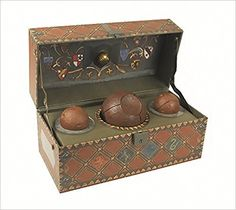 Amazon.com: Harry Potter: Collectible Quidditch Set - Accessory (9780762459452): Running Press: Books