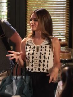 """Zoe's Madewell Cascade Tank """"Hart of Dixie"""" Season 3, Episode 2: """"Friends in Low Places"""" - Spotted on TV"""