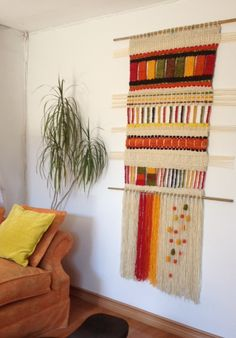 Telaresytapices .... Maria Elena Sotomayor Types Of Weaving, Weaving Art, Weaving Patterns, Loom Weaving, Hand Weaving, Textiles, Weaving Projects, Tear, Diy Interior