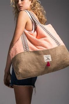Peek a Boo - Beach Bag by Vinge Project