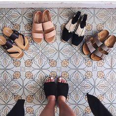 L'été arrive et le choix va être terriblement difficile  n'est-ce-pas @junesixtyfive ? A shopper via le lien dans notre bio   Summer choices...  #Sarenza #SummerIsComing #SeriousAboutSummer #Summer #Shoesaddict
