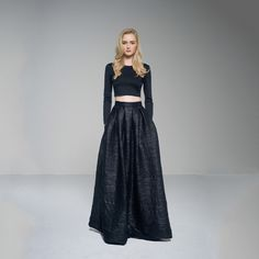 Allie So much want....  gorgeous skirt!!!