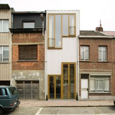 Boven Bouw – Private house, Antwerp Via the architect. Boven Bouw – Private house, Antwerp Via the architect. Design Exterior, Interior And Exterior, Narrow House, Modern House Design, Interior Architecture, Building A House, Spaces, Modern Hepburn, Camping Photography