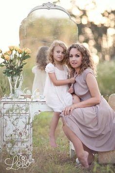 Mother-Daughter Photo Idea: Vintage Beauty Salon ...